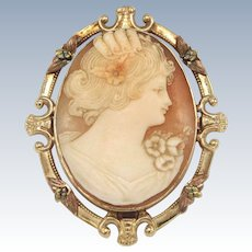 Sweet 10kt Yellow Gold Oval Cameo Pin/Pendant - Flowers