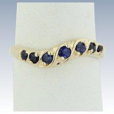 Sweet 14kt Yellow Gold Round Sapphire Swirl Band Ring - Size 7