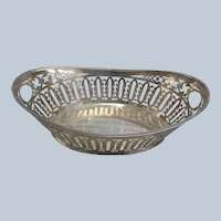 "Schwarzschild Bros. Sterling Silver Fruit Basket 1428A 14 3/4"""