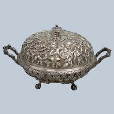 JE Caldwell 759 Sterling Silver Repousse Footed Dish with Lid