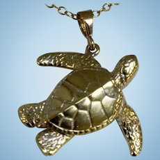"""Nicely Detailed 14K Yellow Gold Sea Turtle 1 1/8"""" Pendant"""