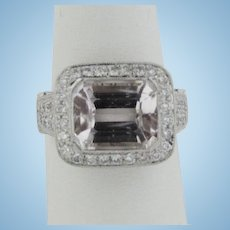 Beautiful 18kt White Gold Approx. 6ct Kunzite and 106 Diamond Ring - Size 6.25