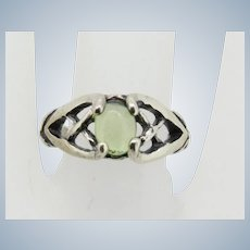 Sweet Sterling Silver Oval Green Stone Criss Cross Ring - Size 6.75