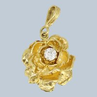 14kt Yellow Gold Flower Pendant with Round Diamond