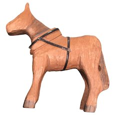 """Sweet Hand Carved 5"""" x 5"""" Horse with reins and black painted hooves"""