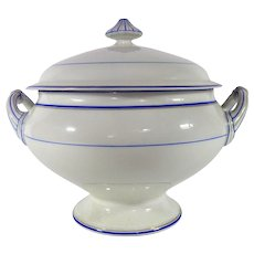 French Soup Tureen in Fine Porcelain made in Paris by A. Vaillant c.1890-1910