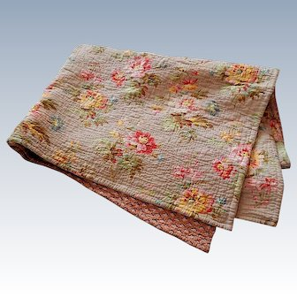 Small Traditional French Boutis in Floral Print in Cotton Vintage French Quilt