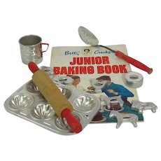 Vintage Betty Crocker Junior Baking Kit
