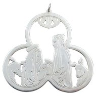 """1975 Lunt Sterling Silver """"First Christmas"""" Christmas Medallion"""