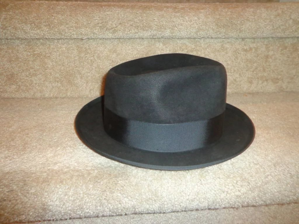 Vintage Black Fedora Estate Find Las Vegas Bond Executive Model Hat ... 8d06867e7dd