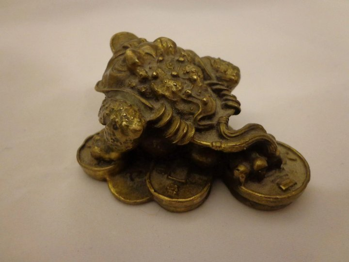 Vintage Chinese Bronze Golden Toad Bufo Yuanbao Paperweight