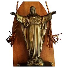 Sacred Heart of Jesus Wall Statue