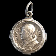 Pope Pius XII Holy Year Medal