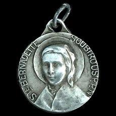 Saint Bernadette Medal, Lourdes Apparition