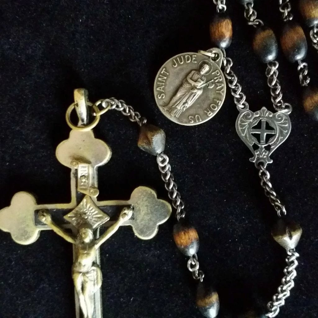 Large Wooden bead Rosary with St. Jude Medal : The Vintage