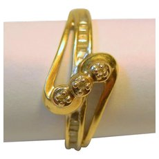 Vintage 10 K Diamond Swirl Design Ring