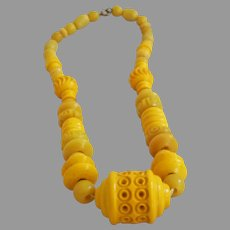 Vintage Bright Yellow Bakelite Bead Necklace