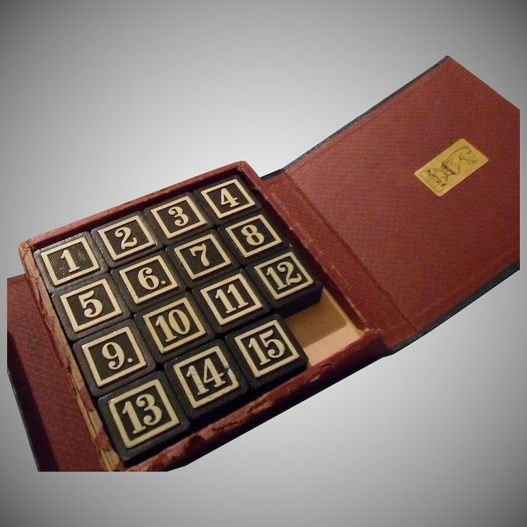 Vintage Leather Bookshelf Game, 15 Puzzle