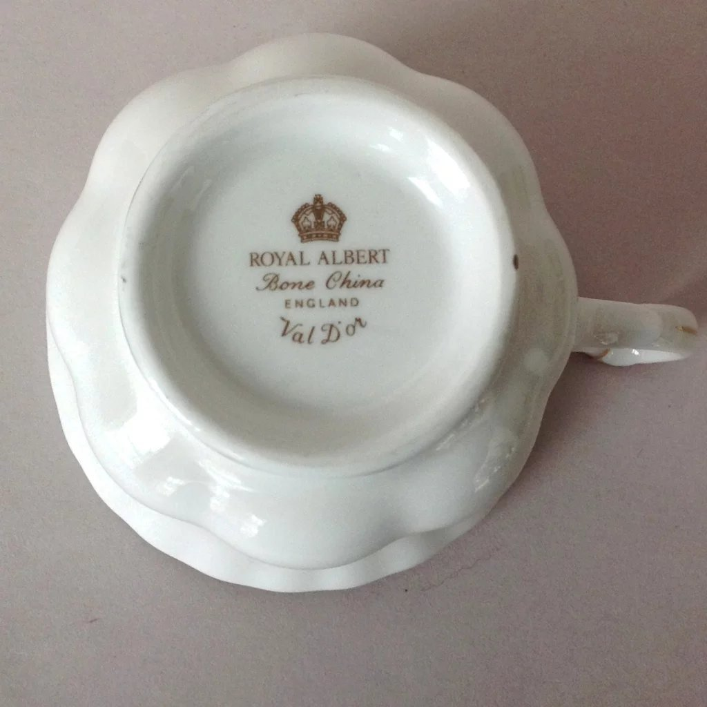 Click to expand & Royal Albert Val Du0027or White Bone China Teacup and Saucer with Gold ...