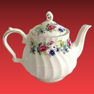 Sadler England 3893 Swirled Porcelain Floral Teapot