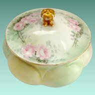 Early 1900s Gerard, Dufraisseix, and Abbott GDA Limoges Hand Painted Roses Green Covered Trinket Box