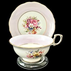 Hammersley Bone China England Signed F Howard 3069/6 Teacup and Saucer Lavender Band Floral Center