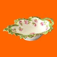 Early 1900s Leaf-Shaped Porcelain Sauce Bowl with Pink Rosebuds Green Rim Gold Trim