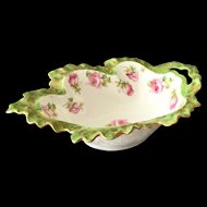 Early 1900s Leaf-Shaped Porcelain Sauce Bowl with Pink Rosebuds Green Rim Gold Trim