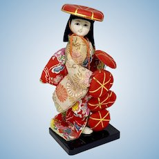 Vintage Japanese doll - The Hat Seller
