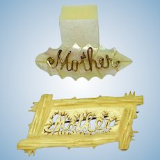 "Set of two ""Mother"" pins"
