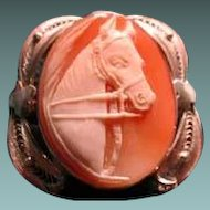 Horse cameo set in filigree frame