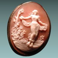 Cameo of full figured Harem girl