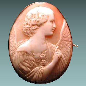 Nice cameo of Annunciation angel