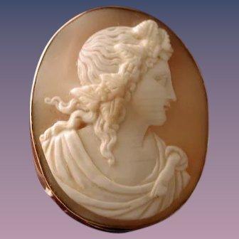 Dionysus cameo set in gold