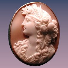 Fine Victorian head cameo of Flora