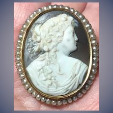 Fanulous Victorian cameo of Flora with seed pearls signed on the back