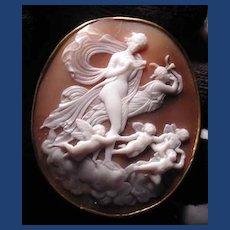 Fine museum quality cameo of Queen Hera with cherubs