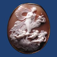 Fine museum quality cameo of Queen Hera with cherubs