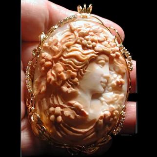 Wonderful multi layer master carved Flora cameo pendant