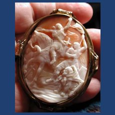 Large rare cameo of the Crusaders in battle