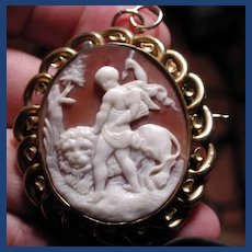 Fine Victorian cameo of Cupid with lion of Roma