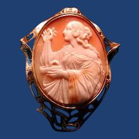 Fabulous  large cameo of lady with jewells