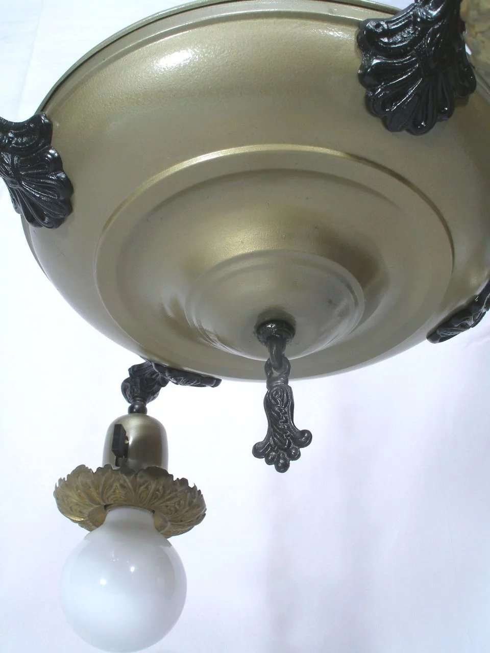 Vintage 4 Bell Dome Light Pan Flying Saucer Style
