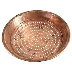 Antique Arts & Crafts Primitive Hand Forged Copper Colander Strainer Bowl