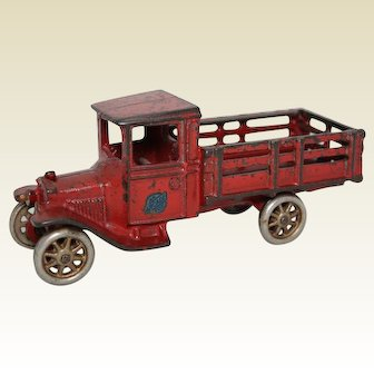 """1920's Arcade 6 3/4"""" Ford Stake Truck"""