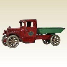 """1930-1932 Arcade 5 3/4"""" Dump Truck"""