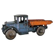 """1934 'Kilgore'  8 1/2"""" Cast Iron Dump Truck"""