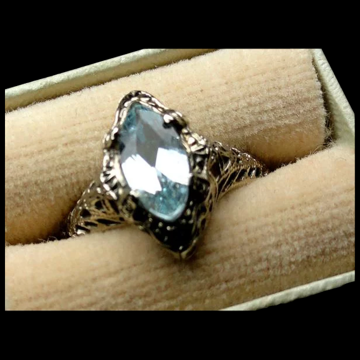 Vintage  10K White Gold Joined  Hearts Diamond  Ring Sz 5.25