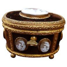 Box gilded bronze and cameo seashell Napoleon III