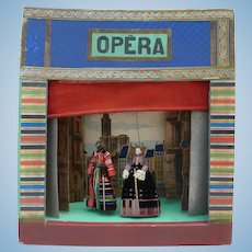 Opera in romantic cardboard